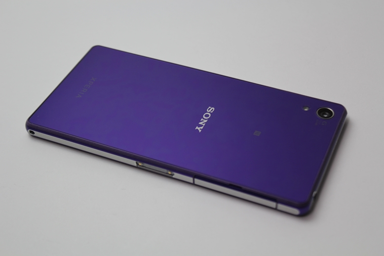 OverLay Xperia Z2 貼り付け裏面