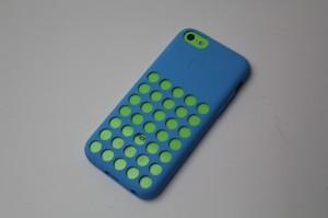 iPhone 5cの純正Caseを装着した状態にベストな高級レザーケースあります!