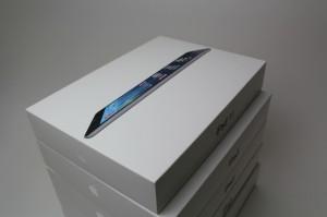 iPad Airを入手!保護シート発売開始!貼り付けサービスも!