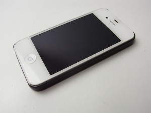 monCarbone SHEATH カーボンフィンガーケース for iPhone 4S/4を試す!