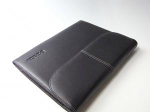 NEC Lui用レザーケースをiPadに流用する。