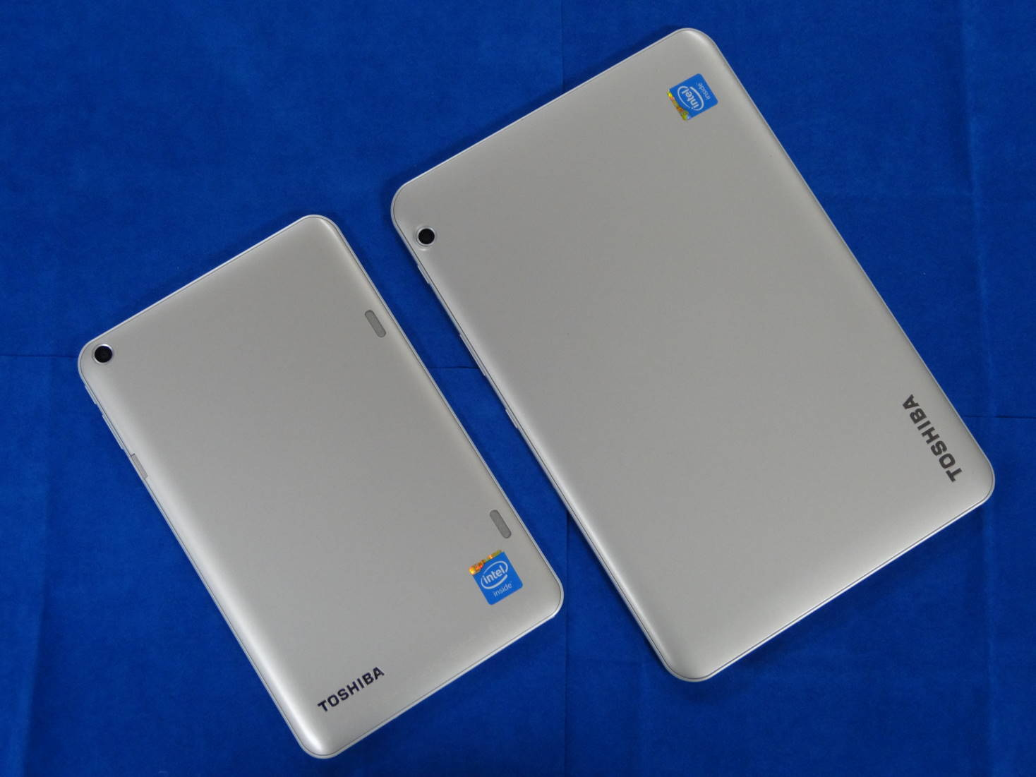 dynabook Tab S68とdynabook Tab S80の裏面