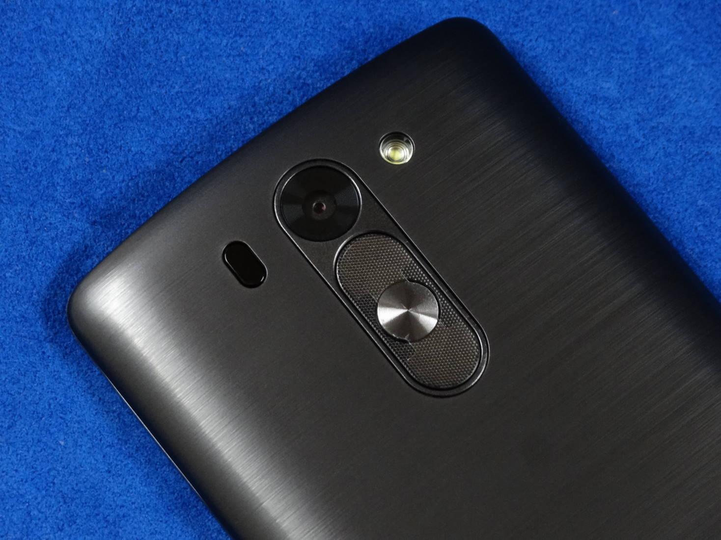 LG G3 Beat の裏面カメラ部
