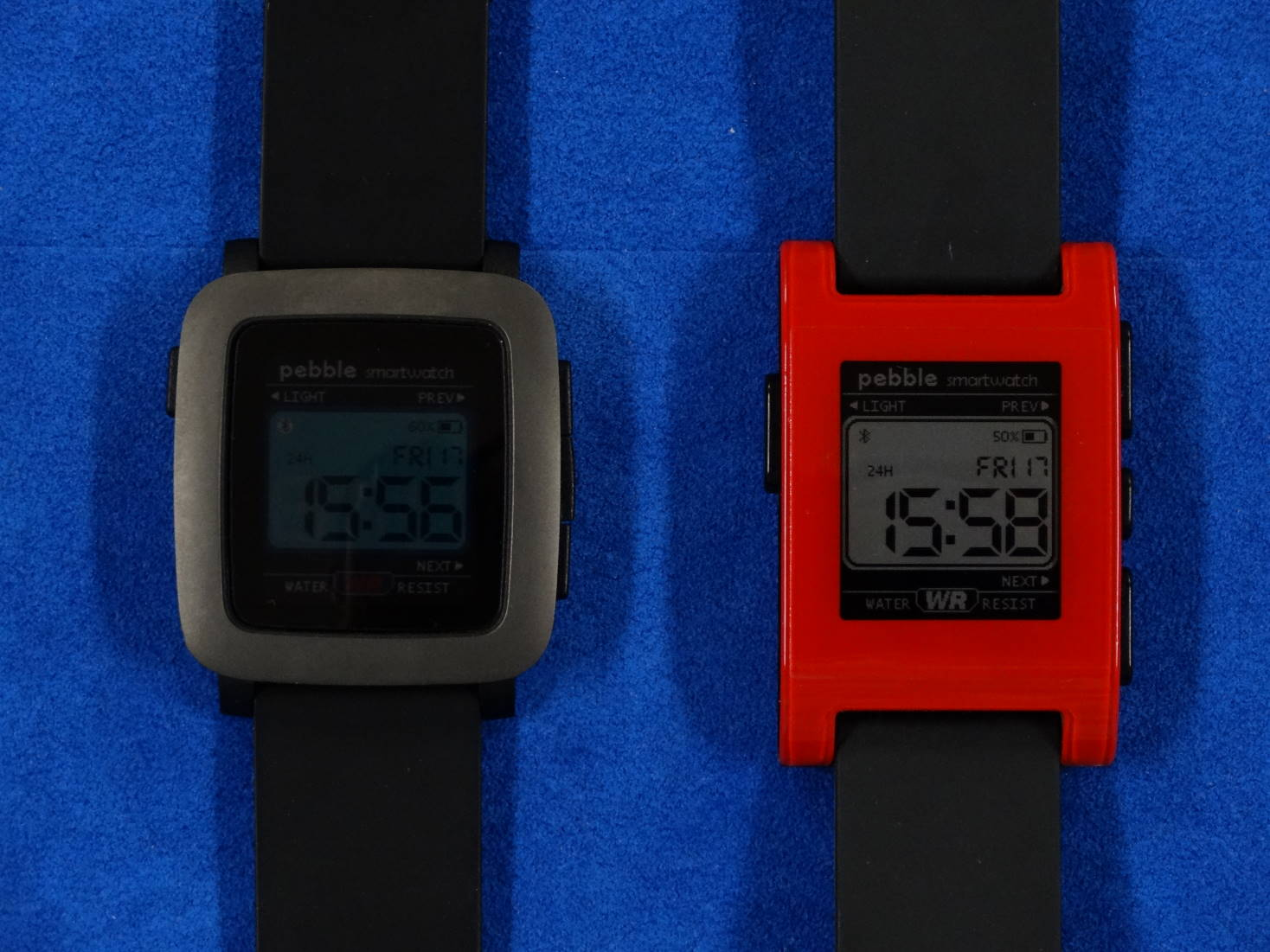 PEBBLE TIME と PEBBLE WATCH
